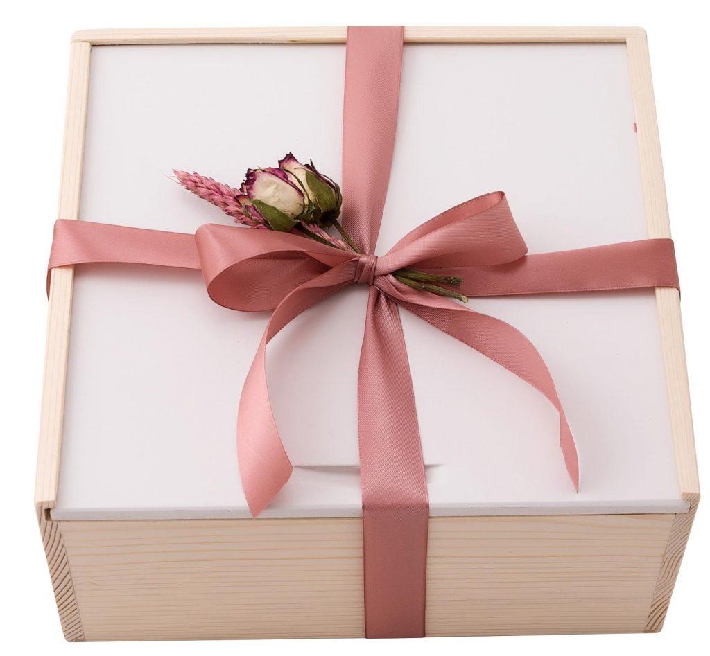 pachet 8 martie, pachet cadou 8 martie, 8 martie, ziua femeii, pink sparkle, cadou premium