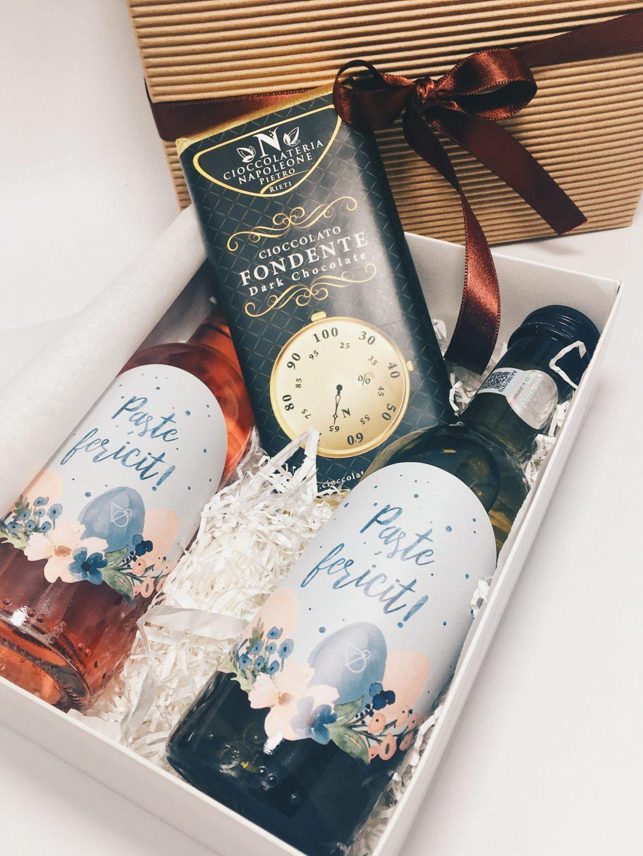pachet cadou paste tasty moments, pachet cadou paste, cadouri paste, paste, cadou online, cadouri familie, vin online, vin miniatura, ciocolata, tableta ciocolata, vin paste, ciocolata paste