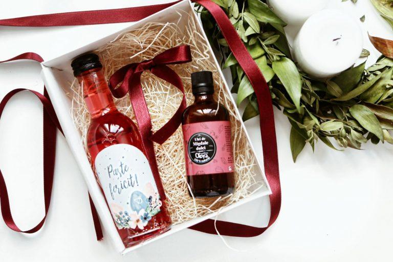 Pachet Cadou Paste Rose & Almonds, pachet cadou paste, cadou paste, vin cadou paste, cadou oline, vin personalizat, vin online, vin paste, cos paste, cadou femei, cadou pentru ea